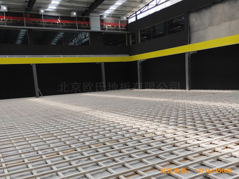 南阳骄阳体育篮球俱乐部运动木地板安装案例