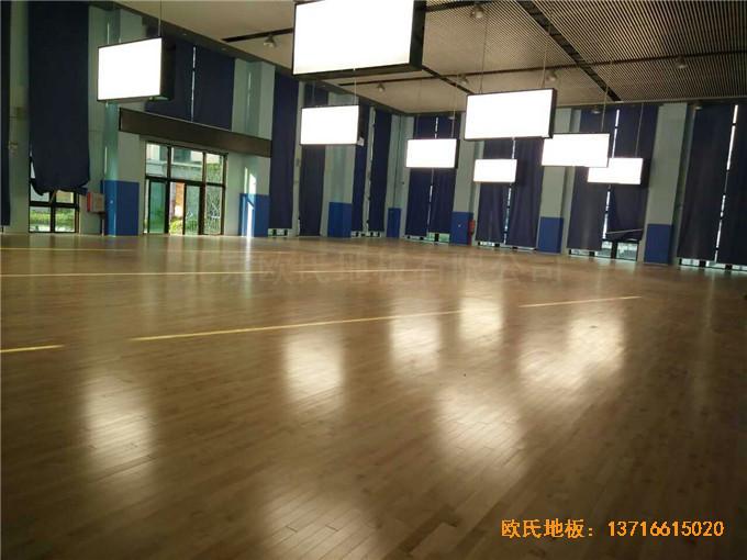 广东珠海市中航花园羽毛球馆体育木地板铺设案例