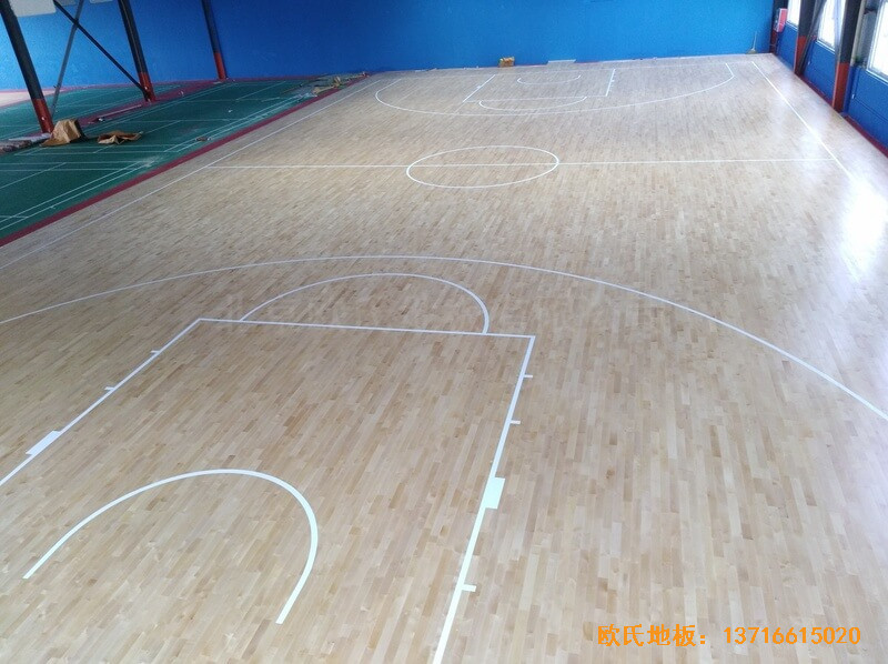 江苏江阴市榜样体育俱乐部体育地板铺设案例