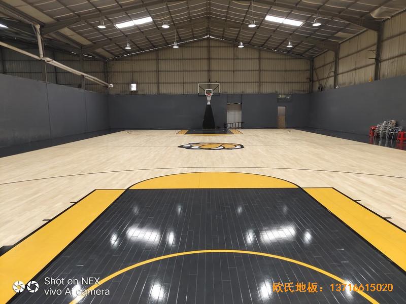 泉州侨乡壹吨篮球场运动地板施工案例