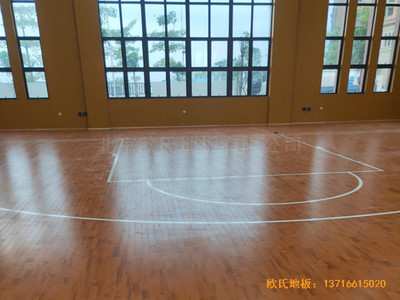 广东珠海白藤东小学篮球馆体育地板施工案例