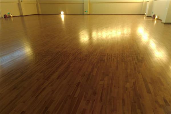 北京海淀分局静物训练用体育馆运动木地板铺设工程
