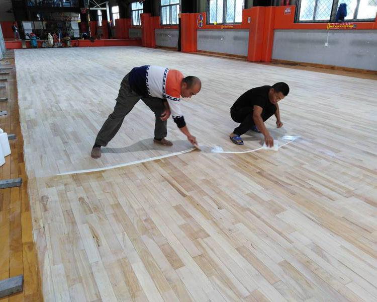 篮球馆木地板翻新