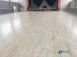 柞木体育场地板清洁保养